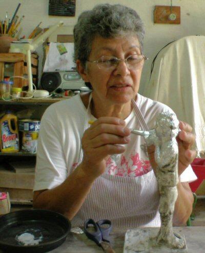 Mércia Borges em seu ateliê